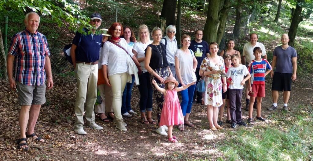 Die Gesellschaft Schweiz-Lettland (GSL) fördert die Beziehungen zwischen den beiden Ländern. Die Schwerpunkte legt sie dabei auf die Bereiche Kunst und Kultur, Erziehung und Wissenschaft, Wirtschaft und Soziales. Ihre Partner sind  natürliche Personen, juristische Personen sowie private und öffentliche Institutionen Lettlands und der Schweiz.